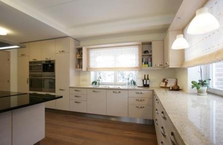 köögimööbel-suur-köök-valge-mitme-ahjuga