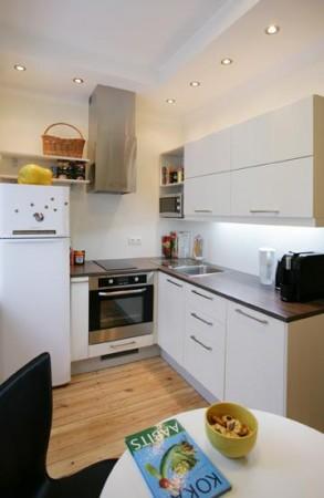 köögimööbel-valge-must-tööpind