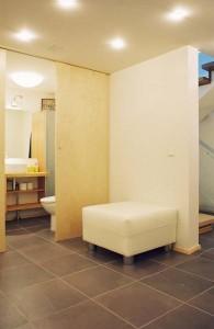eramu-helsinkis-vannitoa-uks
