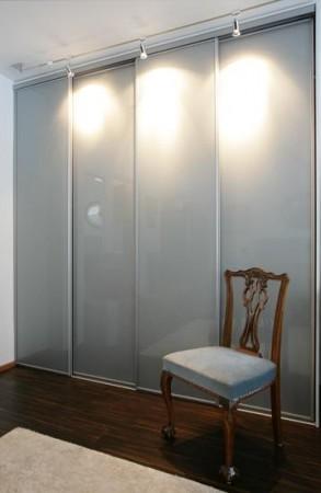 garderoob-nelja-uksega-lükandustega-kapp
