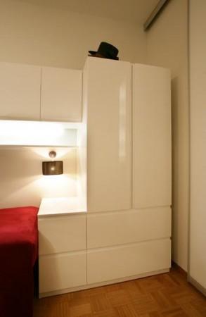 lastetoa-mööbel-valge-kapp-lastetoas-voodi-ümber