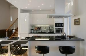 loodusele-avatud-köök-toolid