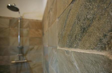 vannitoa-mööbel-graniit-seinaplaat