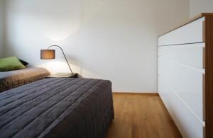 korter-pärnus-magamistuba-kummut