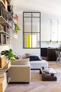 korter-soomes-elutuba-aknaga