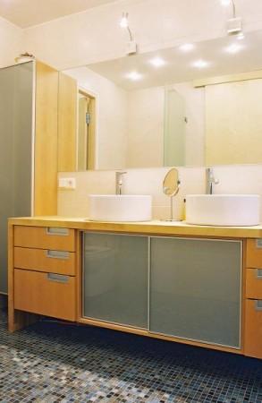 vannitoa-mööbel- kraanikausi-kapp